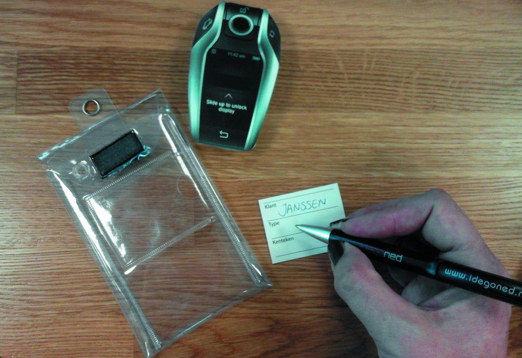 Transparant sleutelhoesje voor display keys